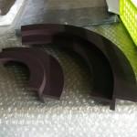 治具を製作し、MCナイロン(MC602)で食品関係の機械部品を加工